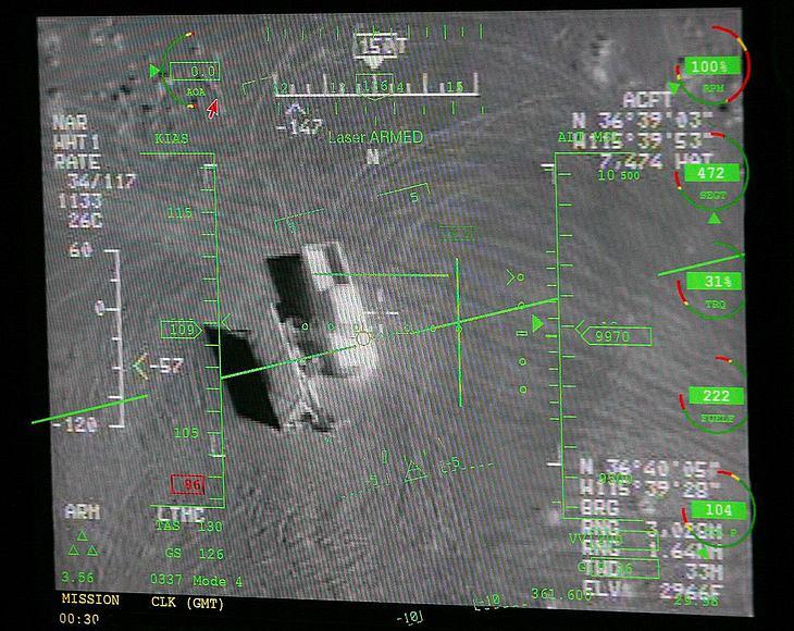 So sieht ein Truck aus der Kamera einer Drohne vom Typ MQ-9 Reaper
