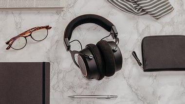 Gewinnspiel: Vorhang auf für den High-End-Kopfhörer Amiron wireless copper