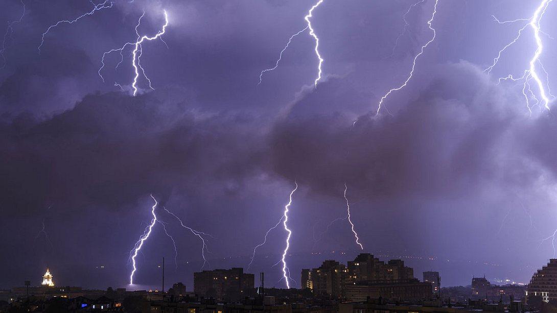 Unwetter-Wochenende: Gefährliche Gewitter, Starkregen und Hagel erwarten uns