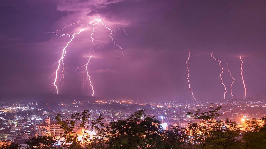 Gewitter-Blitze