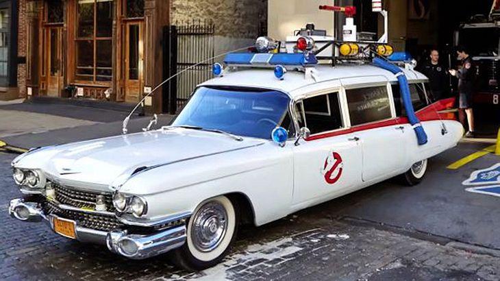 """Ecto 1: Mann baut Replik des kultigen """"Ghostbusters""""-Autos"""