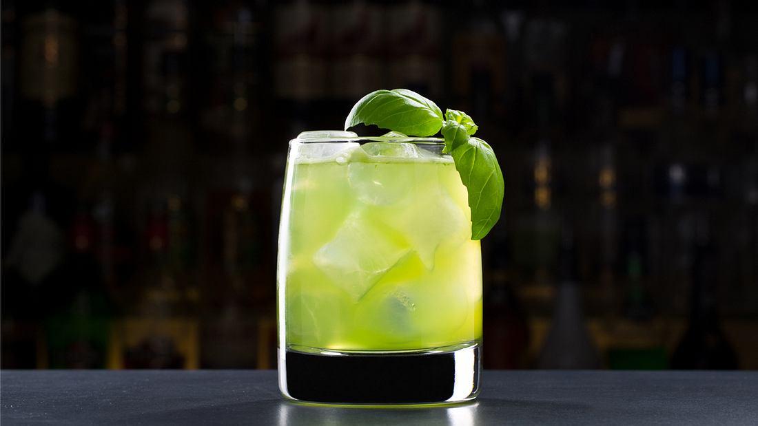 Gin Basil Smash: Erfrischend-würziger Shootingstar
