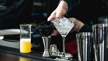 Gin-Tasting – in der Bar und Zuhause
