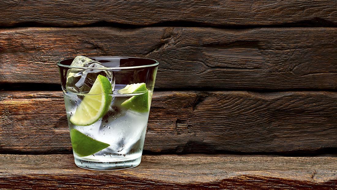 Geheimnis für langes Leben? Gin Tonic, sagt eine 100-Jährige