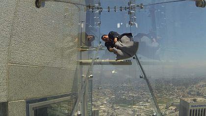 Skyslide: Irre Glasrutsche auf Wolkenkratzer in L.A - Foto: Screenshot YouTube /  Jimmy Kimmel Live