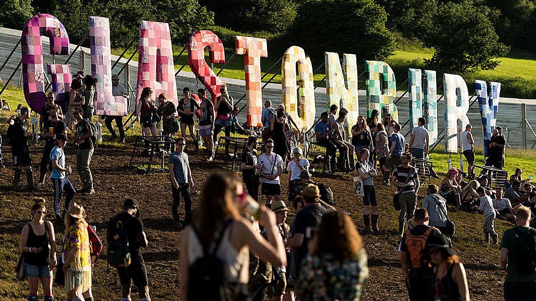 Das Glastonbury Festival in England.