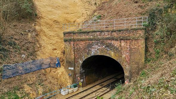 Eingang zu einem Eisenbaghntunnel - Foto: Network Rail