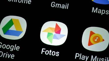 Google Fotos-App auf Smartphone - Foto: imago images / Joko