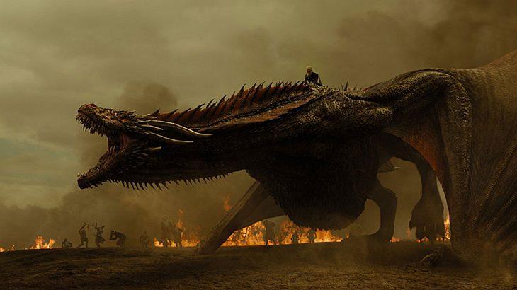 Daenerys Targaryen auf ihrem Drachen