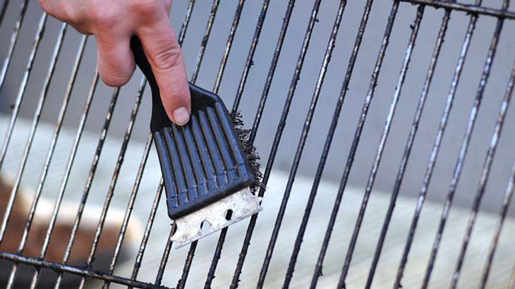 Rauchfreier Holzkohlegrill Reinigen : Den grill reinigen: mit diesen tipps kein problem mehr männersache