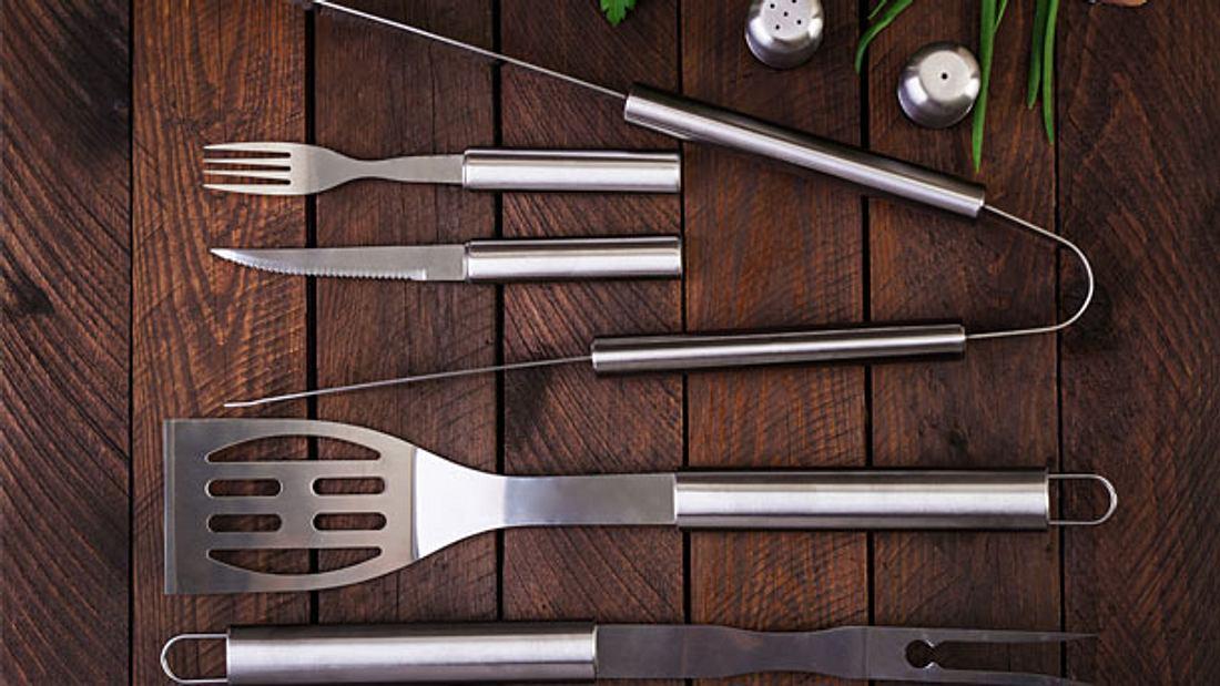 Grillbesteck - Grillen - Grillzange - Besteck zum Grillen
