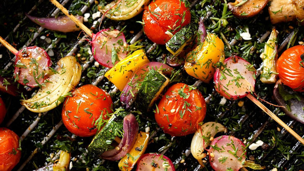 Vegetarisch grillen: Die 5 besten Rezepte für Grillgemüse und Käse