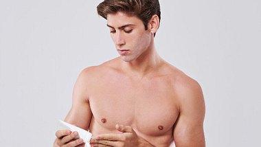Enthaarungscreme Männer - Foto: iStock/PeopleImages