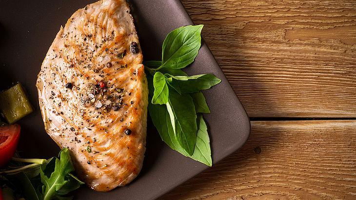 Hähnchenbrust im Ofen zubereiten: So einfach geht's