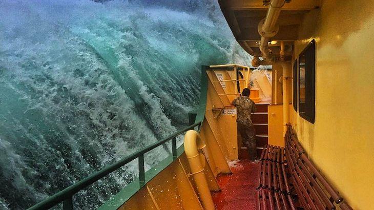 Monsterwelle erwischt Fähre: Haig Gilchrists Bilder davon gehen viral