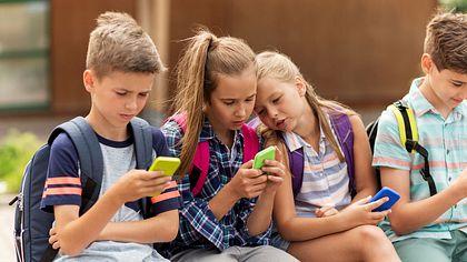 Endlich Handy-Verbot an Schulen - hier macht die Regierung jetzt Ernst