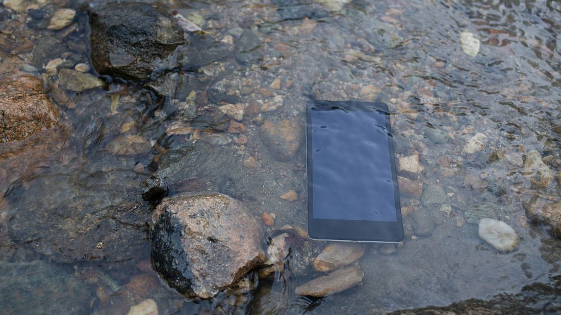 Handy unter Wasser
