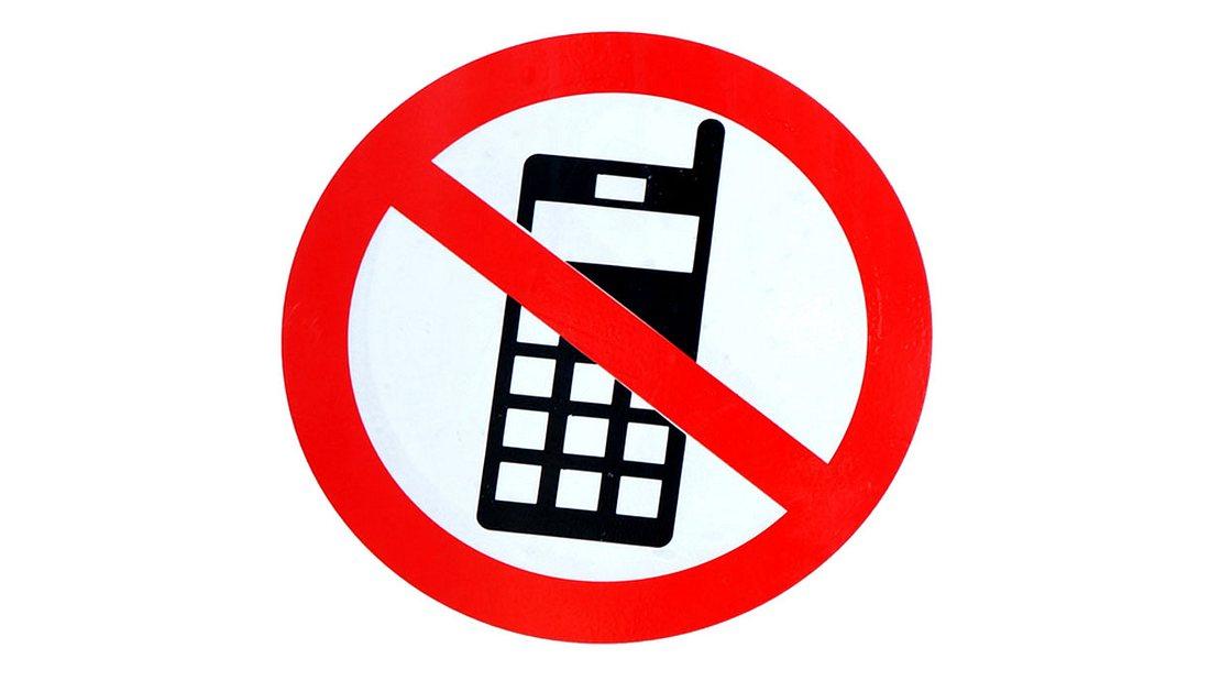 Handy-Verbot an französischen Schulen.