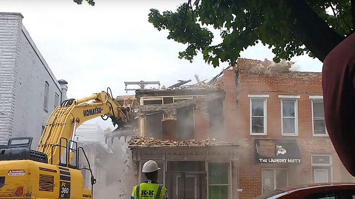 Abrissunternehmen zerstört aus Versehen falsches Haus