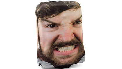 Genial: Mit dieser Idee erkennst du dein Gepäck am Flughafen sofort - Foto: Firebox