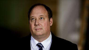 Regierung schlägt Verlängerung der Kontaktbeschränkung vor - Foto: Getty Images / Carsten Koall