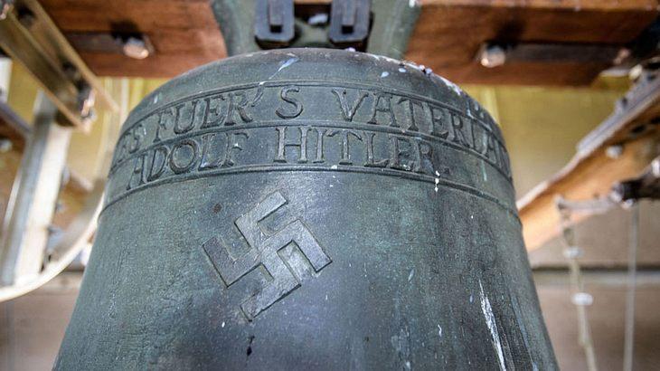 "Die ""Hitler-Glocke"" in Herxheim"
