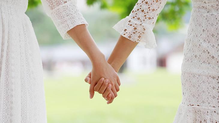 Wie den Sohn, so die Tochter: Frau heiratet innerfamiliär