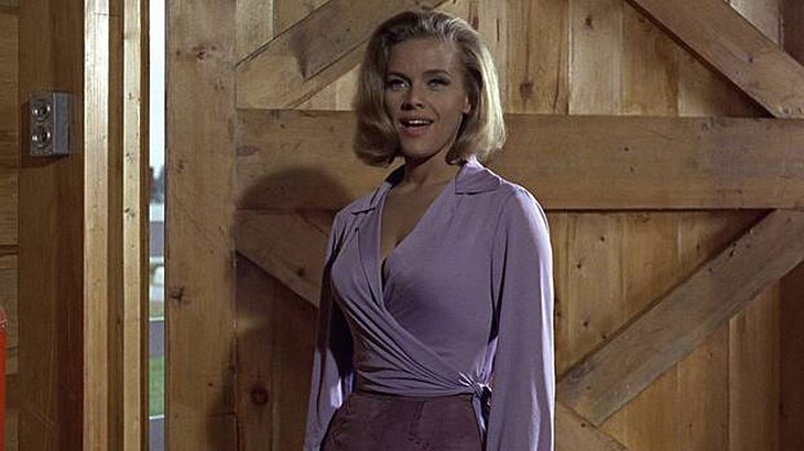 "Honor Blackman als Pussy Galore in ""Goldfinger"""