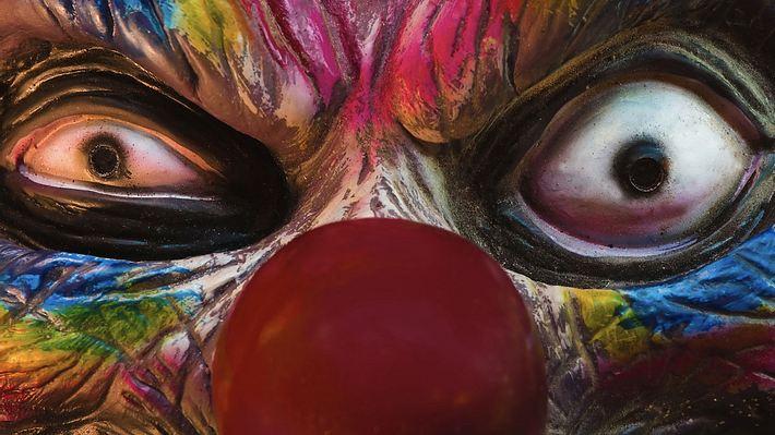 Jugendliche gehen mit inszenierte Videos von Horror-Clowns auf Klickfang - Foto: istock / John Fraser