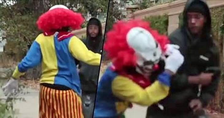 Ein frecher Horror-Clown wird im kalifornischen Stockton von einem bewaffneten Gangster verprügelt