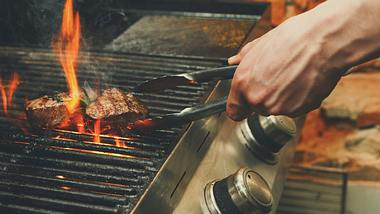 Steak grillen: Mit diesen Tipps klappt es garantiert