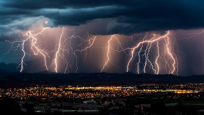 Heftige Unwetter mit 2-3 Millionen Blitzen kommen!