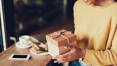 Top 10 Geschenke für Frauen: Die besten Ideen für alle Gelegenheiten