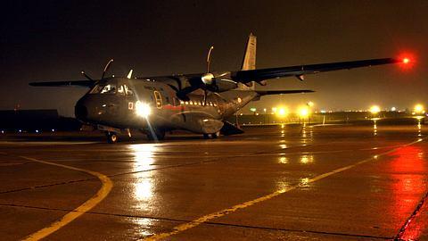 Militäraktion: Corona-Patienten aus Italien nach Deutschland ausgeflogen