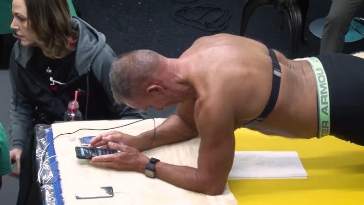 Ex-Soldat (62) stellt Weltrekord im Planking auf