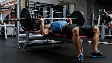 Trainingsbank fürs Home Gym: 5 Varianten von der Flachbank bis zur Multifunktionsbank