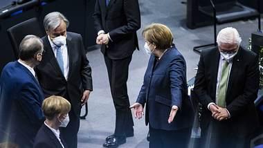 Angela Merkel und weitere Politiker - Foto: imago images / photothek