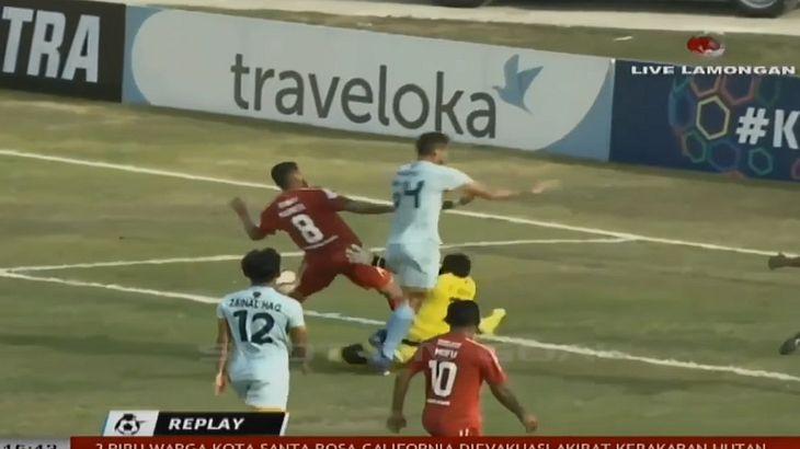 Torhüter stirbt nach Zusammenprall auf dem Fußballfeld