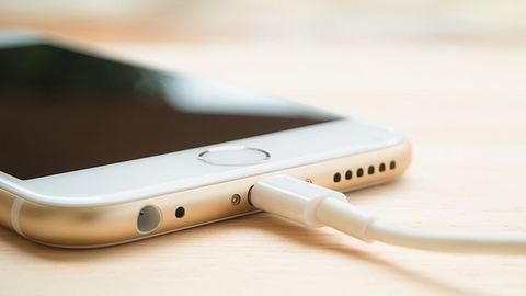 iPhone Ladegeräte können tödlich sein - Foto: iStock/Poravute