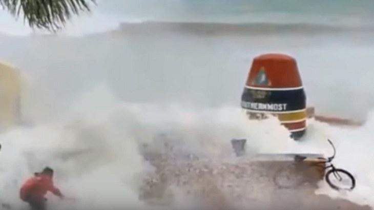 "Unheimliches Naturschauspiel: Hurrikan ""Irma"" schluckt das Meer"