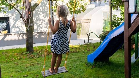 Spielgeräte für den Garten - Foto: iStock/grejak