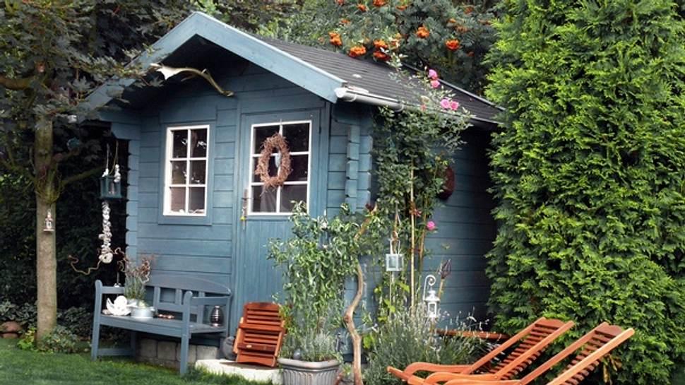 Gartenhaus günstig kaufen - Foto: iStock/Hogogo