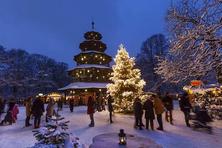 Weihnachtsmarkt München: Der Weihnachtsmarkt am Chinesischen Turm.