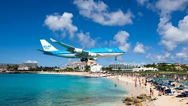 Der Princess Juliana International Airport auf St.Maarten  - Foto: iStock / Joel Carillet