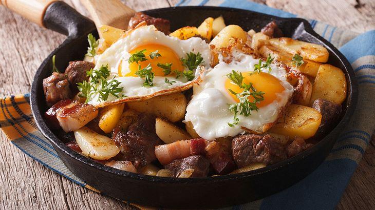 Mit diesem Bauernfrühstück killst du deinen Kater