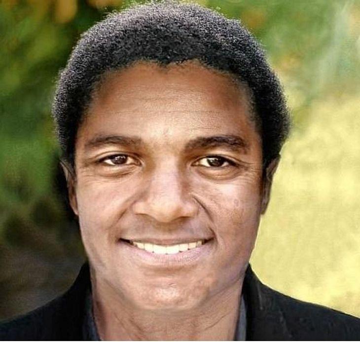 So würde Michael Jackson heute ohne Schönheits-Operationen aussehen