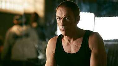 Jean-Claude Van Damme in The Last Mercenary - Foto: Netflix / Alois Maillet