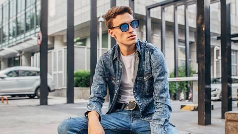 Jeans waschen: So wäschst du den Hosen-Klassiker richtig