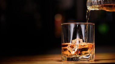 Whiskey im Glas - Foto: iStock / OlegEvseev
