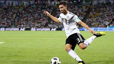 Warum uns das Deutschland-Spiel hunderte Millionen Euro kostet